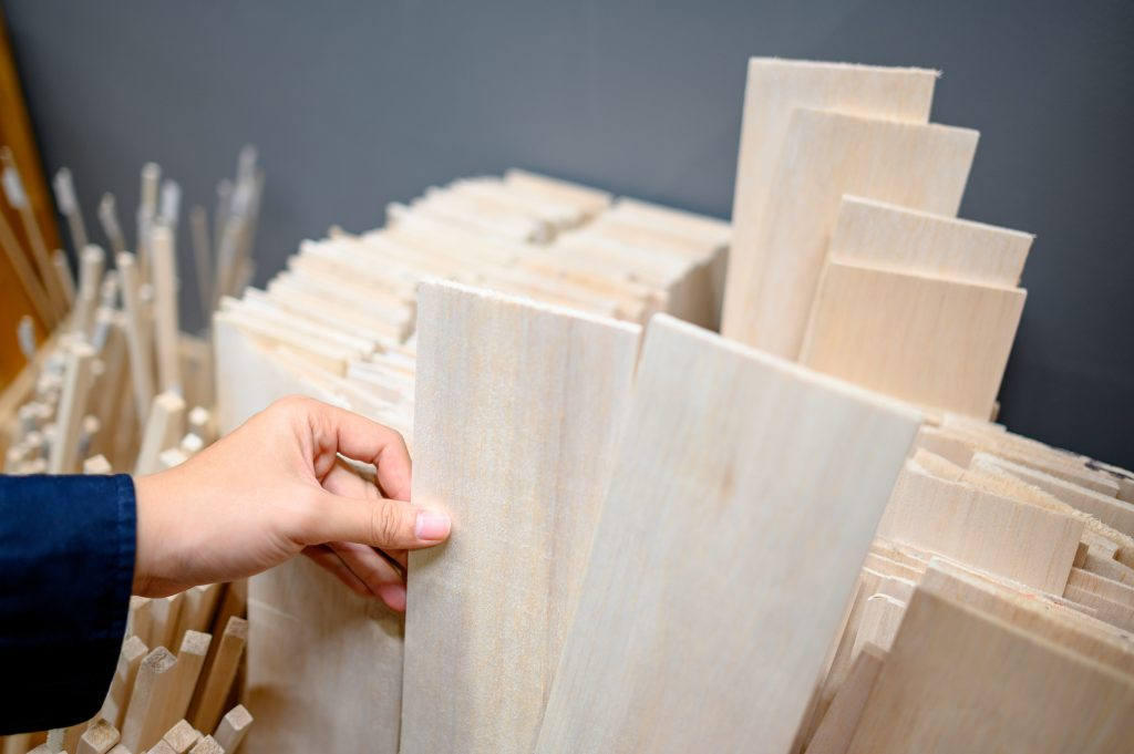 high quality clear plywood in different cuts